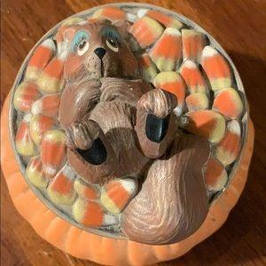 NL🎃  cute Halloween candy corn holder squirrel
